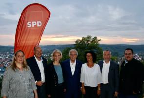 Dr. Heinz Kaiser (Mitte) mit Mitgliedern des Unterbezirks-Vorstands - Foto: Benjamin Bohlender